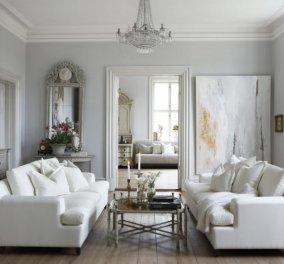 Ο Σπύρος Σούλης έχει 11 απίθανες ιδέες για να δημιουργήσετε το πιο στιλάτο καθιστικό - Πρωταγωνιστής ο σικ λευκός καναπές (φώτο) - Κυρίως Φωτογραφία - Gallery - Video