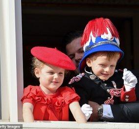 Αυτός είναι ο επόμενος πρίγκιπας του Μονακό: Ο μικρός Ζακ στην πρώτη επίσημη εμφάνιση με τον πατέρα του Πρίγκιπα Αλβέρτο (φώτο) - Κυρίως Φωτογραφία - Gallery - Video