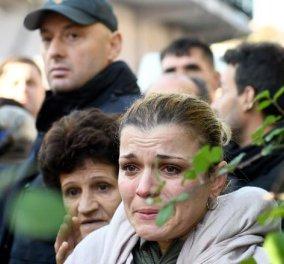 """Αλβανία: Ημέρα εθνικού πένθους μετά το μεγάλο σεισμό - Τουλάχιστον 24 οι νεκροί - 600 τραυματίες - Εκατοντάδες εγκλωβισμένοι στα κτήρια που """"έπεσαν σαν τραπουλόχαρτα""""(φώτο-βίντεο) - Κυρίως Φωτογραφία - Gallery - Video"""