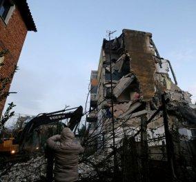 Θλίψη & δέος προκαλούν οι εικόνες από την Αλβανία: 15 οι νεκροί από τον φονικό σεισμό - Η Ελλάδα στέλνει βοήθεια (φώτο-βίντεο) - Κυρίως Φωτογραφία - Gallery - Video