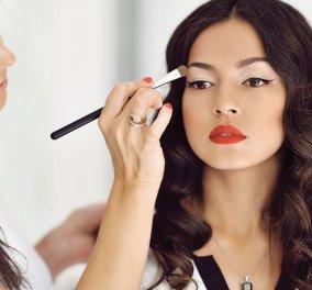 Μερικά χρήσιμα tips για να καθαρίσεις τα πινέλα του μακιγιάζ σου   - Κυρίως Φωτογραφία - Gallery - Video