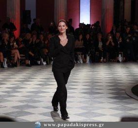 Η Yvonne Bosnjak στην ελληνική εβδομάδα μόδας με την νέα της συλλογή - Εντυπωσίασε & συγκέντρωσε όλους τους επώνυμους  - Κυρίως Φωτογραφία - Gallery - Video