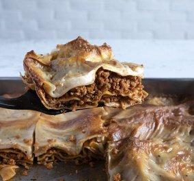 Ο μοναδικός Άκης Πετρετζίκης δημιουργεί: Vegan λαζάνια με κιμά σόγιας που θα λατρέψουν όλοι! - Κυρίως Φωτογραφία - Gallery - Video