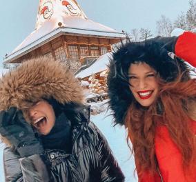 Η Μαρία Κορινθίου & η Σίσσυ Χρηστίδου στο χωριό τουΑη Βασίλη - Κοκκινοσκουφίτσες στη Λαπωνία  - Κυρίως Φωτογραφία - Gallery - Video