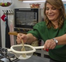 Η Αργυρώ Μπαρμπαρίγου μας ρωτάει αν αχνίσαμε τους κουραμπιέδες - Ιδού η συνταγή! Βίντεο - Κυρίως Φωτογραφία - Gallery - Video