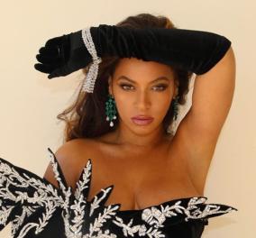 Η Beyonce πολύ αδυνατισμένη σε μια γιορτινή εμφάνιση - υπερπαραγωγή: Μαύρο & ασημί φουστάνι με σκισίματα - Κυρίως Φωτογραφία - Gallery - Video