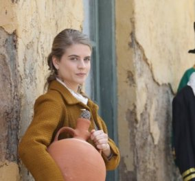 Μελισσούλα ντύθηκεηθοποιός των «ΆγριωνΜελισσών» - Η φώτοπου πόσταρε απότα παιδικάτης χρόνια  - Κυρίως Φωτογραφία - Gallery - Video
