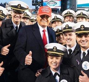 """Ο Ντόναλντ Τραμπ """"πετάει τη σκούφια του"""": Επισκέφτηκε το αμερικάνικο ναυτικό & έγινε χαμός (φώτο) - Κυρίως Φωτογραφία - Gallery - Video"""