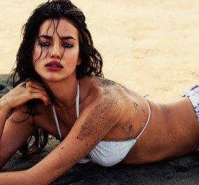 H Ιρίνα Σάικ γυμνή σαν την αλήθεια αποχαιρετά το 2019 με πόζα - παραλίας - Φώτο - Κυρίως Φωτογραφία - Gallery - Video