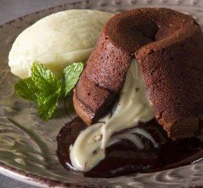 Βίντεο - Φτιάξτε Moelleux! Είναι αφράτο, σοκολατένιο και ταιριάζει απόλυτα με παγωτό!  - Κυρίως Φωτογραφία - Gallery - Video