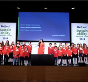 Μαθητές τραγουδούν κάλαντα στα Αρχαία Ελληνικά στο Μέγαρο Μουσικής & συμμετέχουν σε Χριστουγεννιάτικες εκδηλώσεις  - Κυρίως Φωτογραφία - Gallery - Video