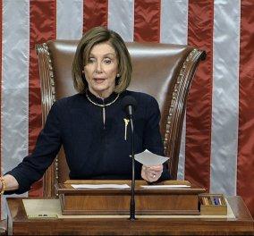 Ιστορική απόφαση στις ΗΠΑ: Εγκρίθηκε από τη Βουλή  η παραπομπή Τραμπ σε δίκη στη Γερουσία - Τι δήλωσε η Πελόζι  (φώτο -βίντεο) - Κυρίως Φωτογραφία - Gallery - Video