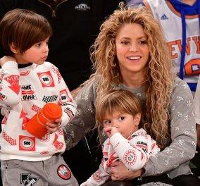 Σπάνιο βιντεάκι: Η στιγμή που η Shakira γυμνάζεται και οι δύο πιτσιρικάδες γιοί της πετάνε μπάλες - Κυρίως Φωτογραφία - Gallery - Video