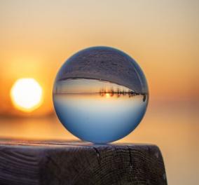 Καναδός φωτογράφος μαγεύει με τα κλικς του στην φύση - Τι πρωτότυπο όμως κάνει με τόσο μόχθο; - Κυρίως Φωτογραφία - Gallery - Video