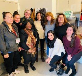 Η πρώτη εμφάνιση της Μέγκαν Μάρκλ στον Καναδά: Επισκέφθηκε χαμογελαστή γυναίκες σε φτωχογειτονιά - Κυρίως Φωτογραφία - Gallery - Video