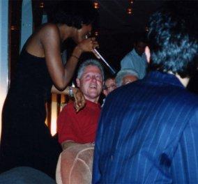 """Σάλος με τις φωτογραφίες του Μπιλ Κλίντον σε ταξίδι με το""""Lolita Express"""" του παιδόφιλου που αυτοκτόνησε Τζέφρι Έπσταϊν - Κυρίως Φωτογραφία - Gallery - Video"""