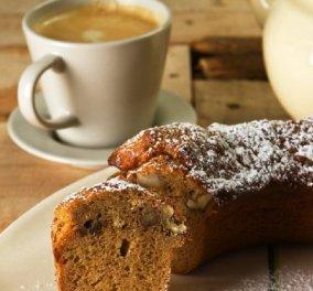 Ο Στέλιος Παρλιάρος παρουσιάζει το τέλειο συνοδευτικό για τον καφέ: Υγιεινό & πεντανόστιμο κέικ με μέλι & καρύδια - Κυρίως Φωτογραφία - Gallery - Video