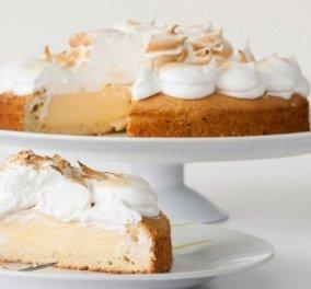 Ένα απολαυστικό γλυκό που θυμίζει lemon pie από τον Στέλιο Παρλιάρο: Κέικ γεμιστό με λεμόνι και μαρέγκα - Κυρίως Φωτογραφία - Gallery - Video