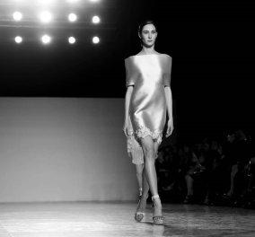 Σαν αρχαίες Ελληνίδες σε γλυπτό τα μανεκέν της Σήλιας Κριθαριώτη - Η νέα κολεξιόν για την Άνοιξη και το Καλοκαίρι του 2020 (φωτό - βίντεο) - Κυρίως Φωτογραφία - Gallery - Video