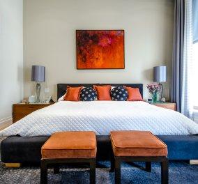 Σπύρος Σούλης: Το τέλειο ράφι-κρεμάστρα για το υπνοδωμάτιο που θα σας λύσει τα χέρια - Κυρίως Φωτογραφία - Gallery - Video