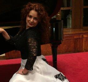 Κορωνοϊός - Κατερίνα τραγούδα: Η Ελληνίδα σοπράνο εμψυχώνει στην Τοσκάνη όπου ζει τους Ιταλούς με άριες από το μπαλκόνι της (Βίντεο)  - Κυρίως Φωτογραφία - Gallery - Video