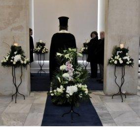 Ο γιος του ανθρώπου που πέθανε από τον κορωνοϊό: «Ο πατέρας μου έφυγε σήμερα για το στερνόν της ζωής - Παρακαλώ μην έρθετε στην κηδεία, γνωρίζω ότι τον αγαπήσατε»  - Κυρίως Φωτογραφία - Gallery - Video