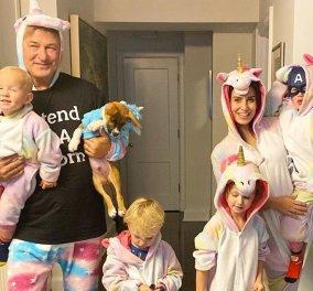 Κορωνοϊός στο Hollywood: Ο πολύτεκνος Alec Baldwin έτοιμος για παιχνίδια με τα τέσσερα μικρά παιδιά του (φωτό) - Κυρίως Φωτογραφία - Gallery - Video