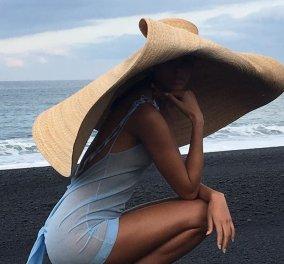 Τα γιγάντια καπέλα και οι λιλιπούτιες τσαντίτσες έχουν μία υπογραφή: O Jacquemus έχει τρέλα & κορδέλα (φωτό - βίντεο) - Κυρίως Φωτογραφία - Gallery - Video