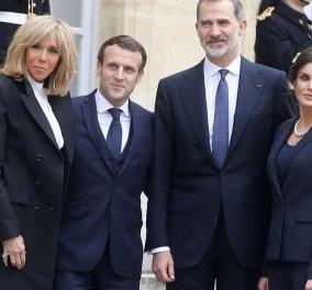 Βασίλισσα Λετίσια & Πρώτη Κυρία Μπριζίτ Μακρόν μαζί στο Παρίσι: Αυστηρό ντύσιμο σε blue marine για τις δύο πολύ λεπτές κυρίες (φωτό)  - Κυρίως Φωτογραφία - Gallery - Video