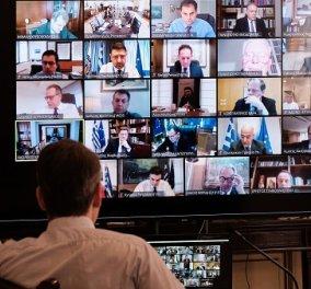 """Φωτορεπορτάζ: Ο Μητσοτάκης συνεδριάζει, με video wall όλο το Υπουργικό Συμβούλιο - Ο """"ιός της τεχνολογίας"""" - Κυρίως Φωτογραφία - Gallery - Video"""