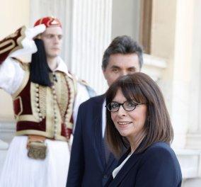 Ορκίστηκε η Κατερίνα Σακελλαροπούλου Πρόεδρος της Ελληνικής Δημοκρατίας - Η τελετή παράδοσης - παραλαβής στην άδεια αίθουσα (φωτό & βίντεο) - Κυρίως Φωτογραφία - Gallery - Video