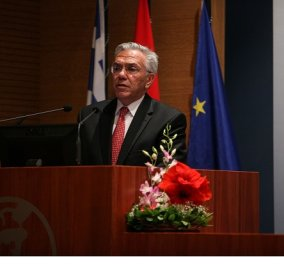 Γιάννης Βαληνάκης: Προτείνω το ακατοίκητο νησί Σύρνα για τη φιλοξενία των προσφύγων - Να βάλουν λεφτά ΟΗΕ & ΕΕ για υποδομές (βίντεο) - Κυρίως Φωτογραφία - Gallery - Video