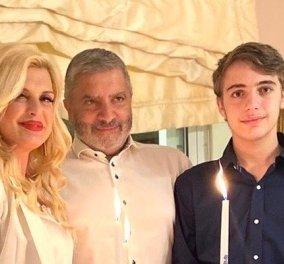 Ο Γιώργος Πατούλης & η Μαρίνα Πατούλη με τον έφηβο γιο τους εύχονται Χρόνια Πολλά & Χριστός Ανέστη  - Κυρίως Φωτογραφία - Gallery - Video