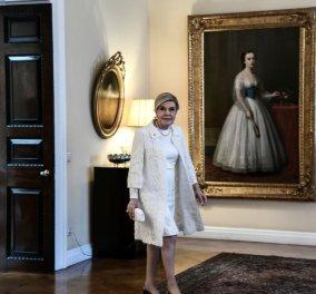 Μαριάννα Β. Βαρδινογιάννη: Διηγείται  πως πήγε στην Αμοργό να βρει τον άντρα της, τον Βαρδή εξόριστο από την Απριλιανή Χούντα  - Κυρίως Φωτογραφία - Gallery - Video