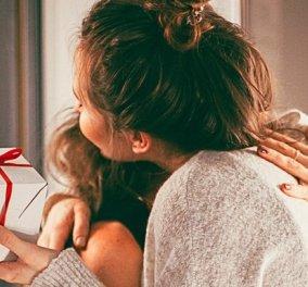 "#easterhugs: Στηρίζουμε το ""Χαμόγελο του Παιδιού"" λέγοντας ποιον θα θέλαμε να αγκαλιάσουμε αυτό το Πάσχα - Κυρίως Φωτογραφία - Gallery - Video"