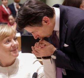 Ξεχάστε τα χειροφιλήματα & τις θερμές αγκαλιές Τζουζέπε Κόντε - Άνγκελας Μέρκελ: Η Γερμανίδα Καγκελάριος & ο Ολλανδός Mr Τεφλόν λένε όχι στο κορωνοομόλογο - Κυρίως Φωτογραφία - Gallery - Video