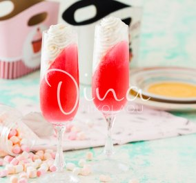 Ένα δροσερό & ελαφρύ γλυκό από την Ντίνα Νικολάου: Ζελέ φράουλα με κρέμα μαστίχας - Κυρίως Φωτογραφία - Gallery - Video