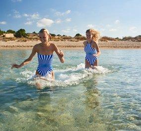Sun of a beach και μαγιό! Η Μελίνα & η Έλλη λανσάρουν την πρώτη ελληνική σειρά μαγιό για όλη την οικογένεια (φωτό) - Κυρίως Φωτογραφία - Gallery - Video
