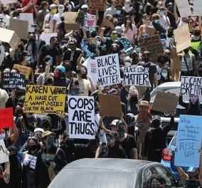 Εκρηκτική κατάσταση στις ΗΠΑ: Διαδηλώσεις, φωτιές – Πρωτοφανείς ταραχές μετά τον βίαιο θάνατο με την γονατιά (Φωτό & Βίντεο) - Κυρίως Φωτογραφία - Gallery - Video