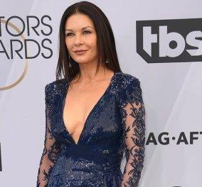 Η Catherine Zeta Jones έχει πραγματικά χιούμορ: Ποιος διάσημος αστέρας θα της κάνει πεντικιούρ; (φωτό) - Κυρίως Φωτογραφία - Gallery - Video