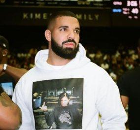 Ο Drake παρουσίασε δημοσίως τον γιο, δύο χρόνια μετά την γέννησή του – Η αποκάλυψη για την φωτογραφία - Κυρίως Φωτογραφία - Gallery - Video