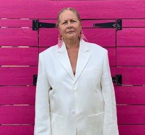 Μανεκέν έκανε την γιαγιά του ο Jacquemus ένας από τους πιο επιδραστικούς Γάλλους σχεδιαστές μόδας & εκείνη το χαίρεται (Φωτό & Βίντεο)  - Κυρίως Φωτογραφία - Gallery - Video
