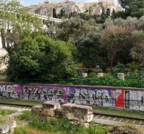 Good news: Σβήνουν τα αντιαισθητικά γκραφίτι στο Θησείο και στους σταθμούς του Ηλεκτρικού (φωτό) - Κυρίως Φωτογραφία - Gallery - Video