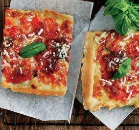 Η Αργυρώ Μπαρμπαρίγου μάς προτείνει την πιο υπέροχη & γρήγορη πίτσα μαργαρίτα - Η σπιτική συνταγή & τα μυστικά (βίντεο) - Κυρίως Φωτογραφία - Gallery - Video
