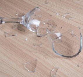Σπύρος Σούλης: Με αυτόν τον τρόπο θα μαζέψετε τα σπασμένα γυαλιά από το πάτωμα στο πι και φι! - Κυρίως Φωτογραφία - Gallery - Video