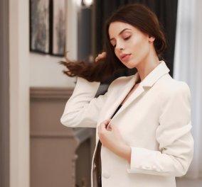 Casual chic ντυσίματα με λευκό σακάκι & τζιν - Οι πιο στυλάτοι συνδυασμοί - Κυρίως Φωτογραφία - Gallery - Video