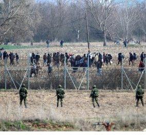 """6.000 μετανάστες πλησιάζουν στα σύνορα - Στον Εβρο """"χτύπησε κόκκινο"""" αφού η Τουρκία προωθεί όλο και περισσότερους - Κυρίως Φωτογραφία - Gallery - Video"""