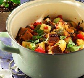 Όλη η νοστιμιά του καλοκαιριού στην κατσαρόλα: Τουρλού λαχανικών από την Αργυρώ Μπαρμπαρίγου - Κυρίως Φωτογραφία - Gallery - Video