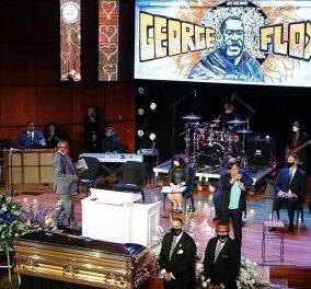 """Βγάλτε το γόνατο από τον λαιμό μας: 8' 46 λεπτά σιγής στη μνήμη του 46χρονου μαύρου """"γίγαντα"""" George Floyd (φωτό - βίντεο) - Κυρίως Φωτογραφία - Gallery - Video"""