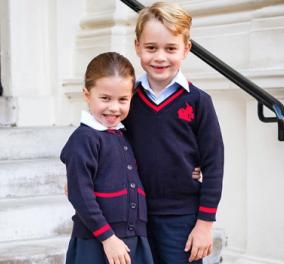 Εθελοντές ο Πρίγκιπας Τζορτζ & η μικρούλα αδελφή του Σάρλοτ - Μοιράζουν πακέτα με τρόφιμα στα σπίτια φτωχών (φωτό) - Κυρίως Φωτογραφία - Gallery - Video